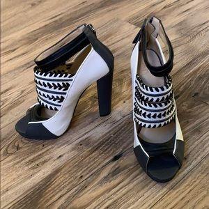 Gwen Stefani GX Black and White Heels Size 8 NWOT